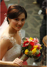 The bride, Gladys Reyes.