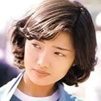 Momoe-Yamaguchi