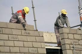 L'emploi continue très lentement à se redresser - 20minutes.